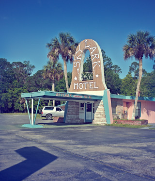 Deep South / Skylark Motel