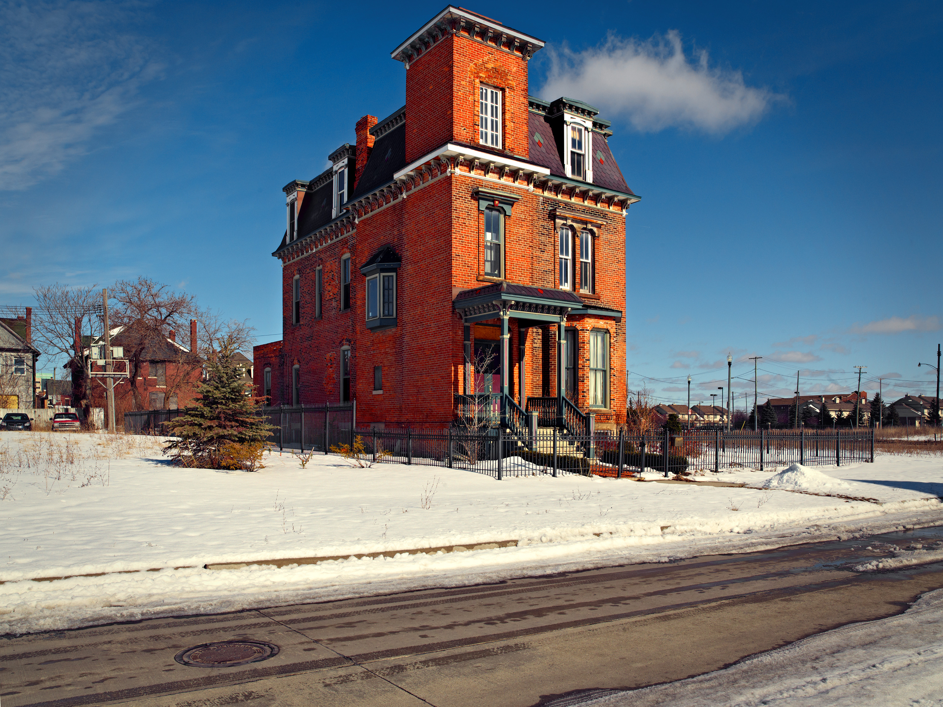 Detroit / Red House